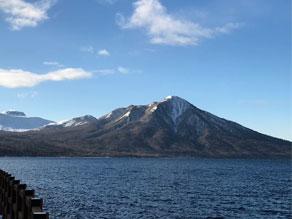 雪化粧をした山々!