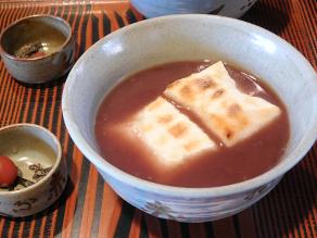 今食べておきたい! 季節限定甘味『赤福ぜんざい』