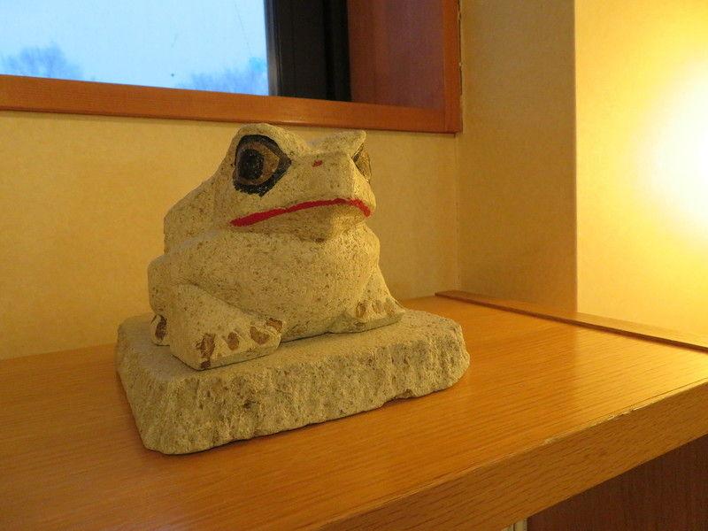 乳頭温泉の守り神?カエルの置物の謎