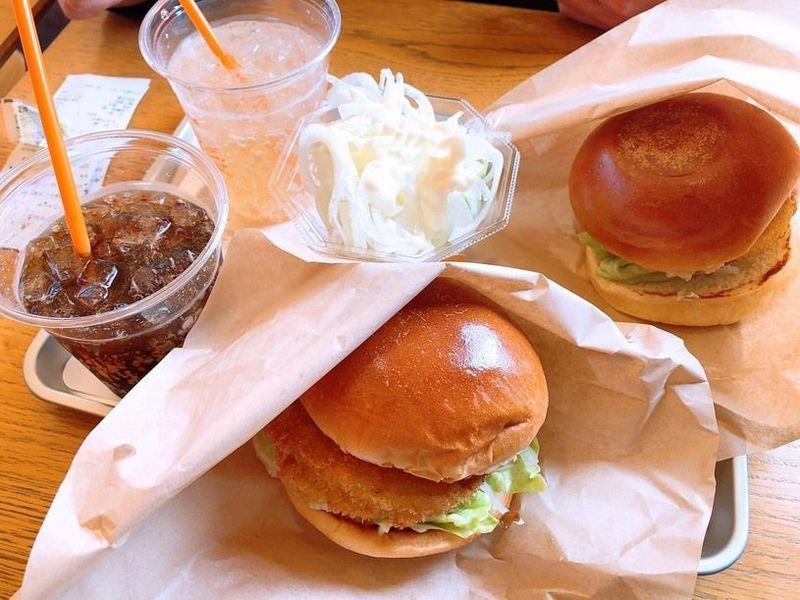 一回食べたら忘れない淡路島の誇り「淡路島バーガー」!