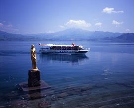 【田沢湖遊覧船】違った視点で田沢湖を一望できます