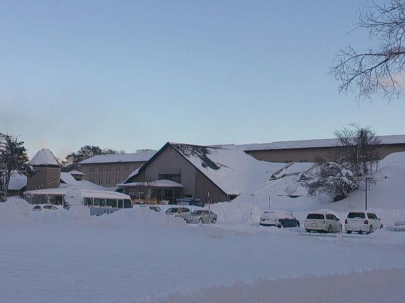 冬季期間へ向けての各周辺観光道路の冬支度。。。