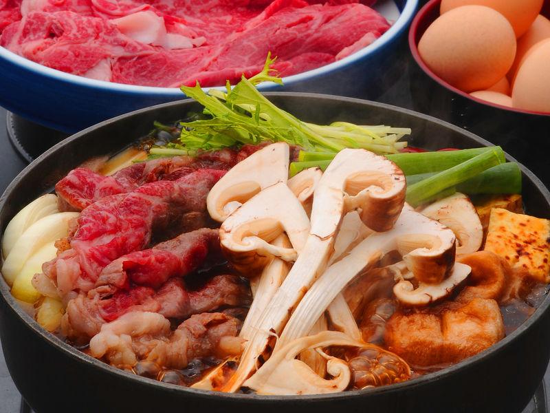 大好評!すき焼き&松茸食べ放題!