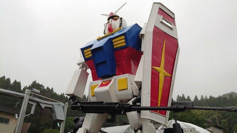 へたれガンダム!福島の大地に立つ!