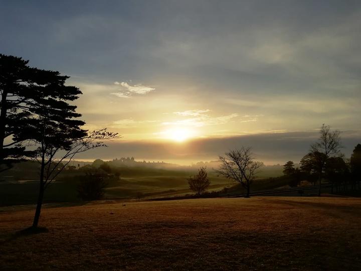 雲海と朝日の蒜山高原で贅沢散歩