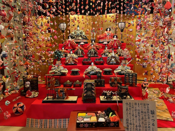 3月3日は桃の節句! 稲取・雛のつるし飾りまつり開催中!