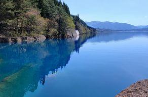 青と緑を楽しむ田沢湖散策
