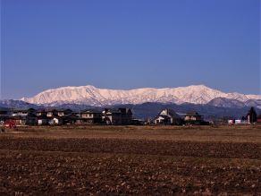 白きたおやかな峰 ~磐梯朝日国立公園の盟主 飯豊山