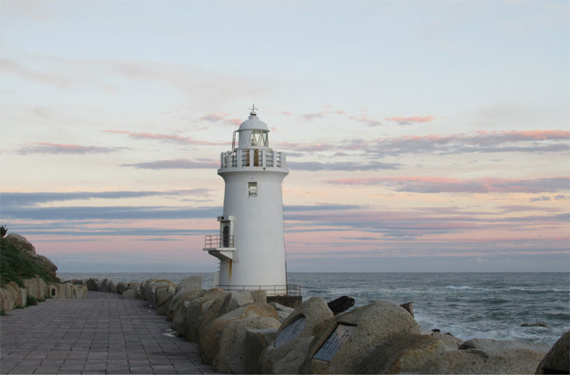 白亜の灯台「伊良湖岬灯台」