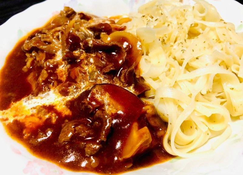 淡路島素麺ふし麺と淡路島玉ネギのビーフストロガノフ