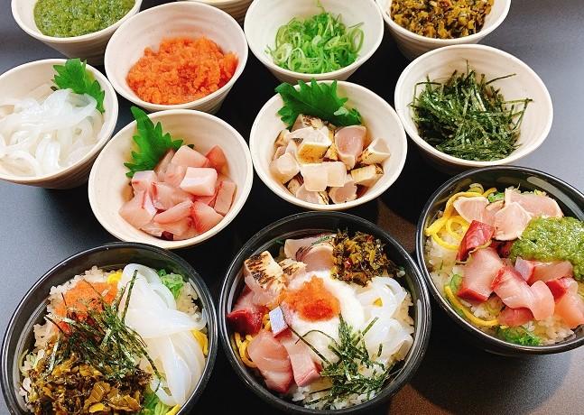朝食ビュッフェが好評です。朝から海鮮丼&健康ドリンク🍃